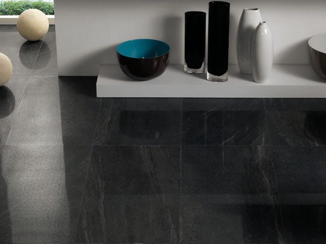 Casting Dark Grey Stone-Look Porcelain Tile